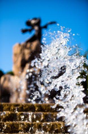 water-droplets-sorcerer-mickey-tokyo-disneyland-hotel