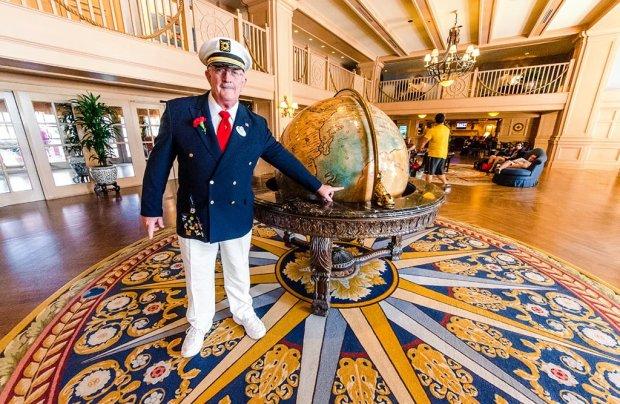 yacht-club-lobby
