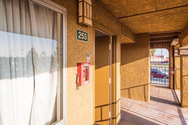 hotel-menage-disneyland-good-neighbor-hotel-588