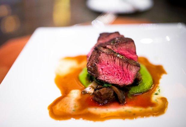 napa-rose-chefs-counter-grand-californian-disneyland-658