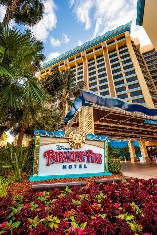 paradise-pier-hotel-signage-2