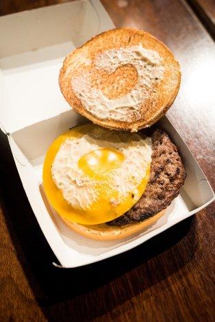 disneyland-paris-burger-690