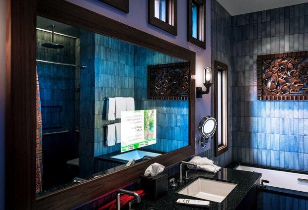 polynesian-bungalows-tv-bathroom
