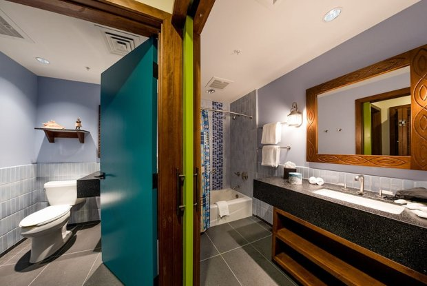 second-bathroom-polynesian-bora-bora-bungalow