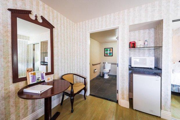 carousel-inn-suites-anaheim-disneyland-hotel-790