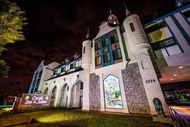 castle-inn-suites-exterior-night-side