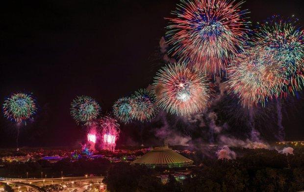 blt-top-world-lounge-celebrate-america-july-4-fireworks-2