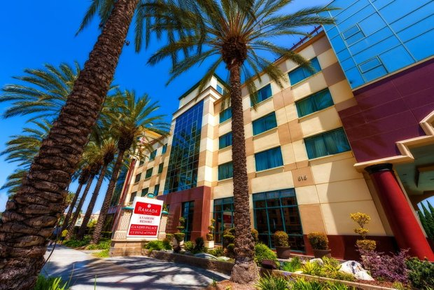 ramada-plaza-disneyland-walking-distance-front