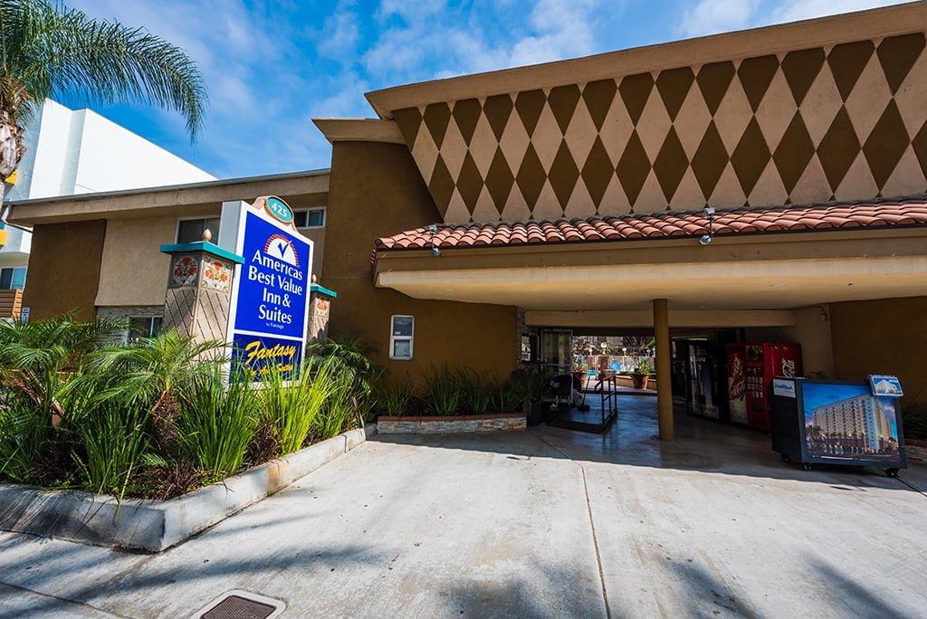 Disneyland Hotel Review Americas Best Value Inn Amp Suites