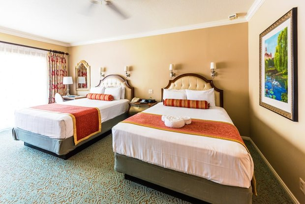 grand-floridian-beds-disney-world