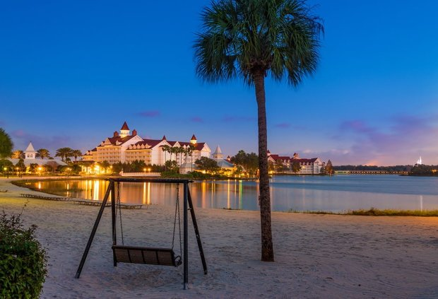 villas-grand-floridian-dawn-beach