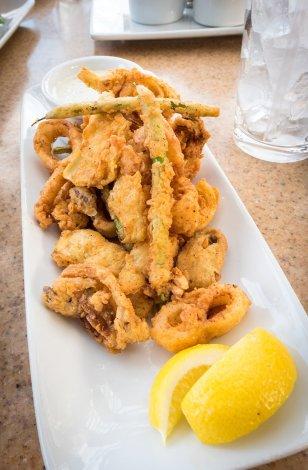 alfresco-tasting-terrace-disney-california-adventure-disneyland-food-824