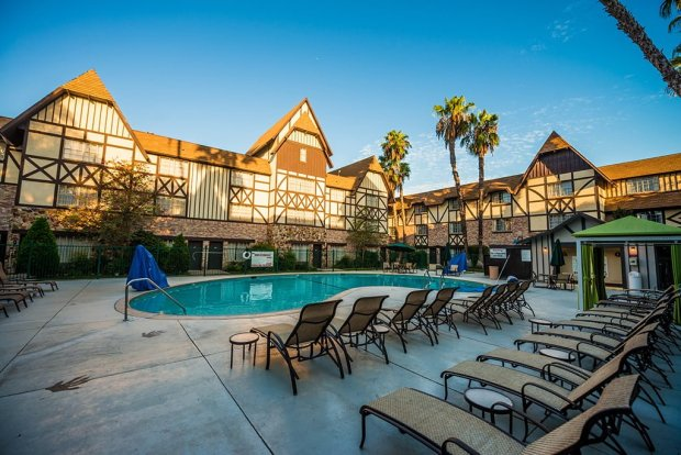 anaheim-majestic-garden-hotel-disneyland-resort-385