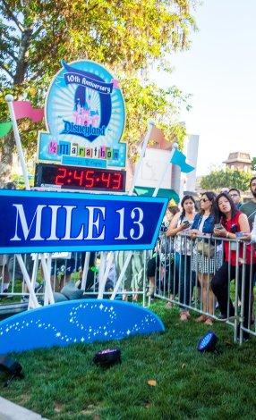 disneyland-half-marathon-10th-anniversary-rundisney-320