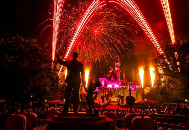 halloween screams fireworks disneyland