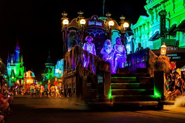 hitchhiking-ghosts-boo-to-you-parade-mnsshp copy