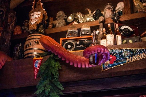 trader-sams-grog-grotto-polynesian-village-resort-disney-world-400