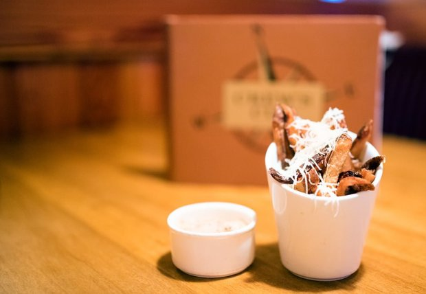 truffle-fries-crews-cup-lounge