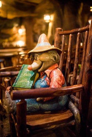 grandma-saras-tokyo-disneyland-restaurant-005