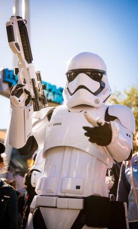 season-of-force-star-wars-force-awakens-disneyland-003