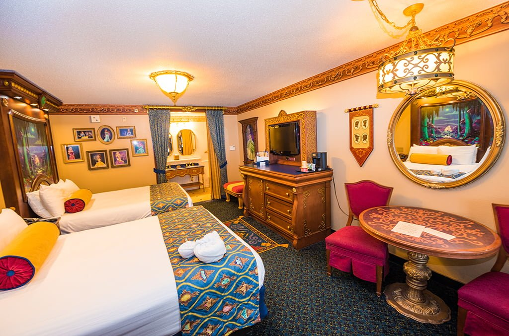 royal rooms at port orleans riverside review disney. Black Bedroom Furniture Sets. Home Design Ideas
