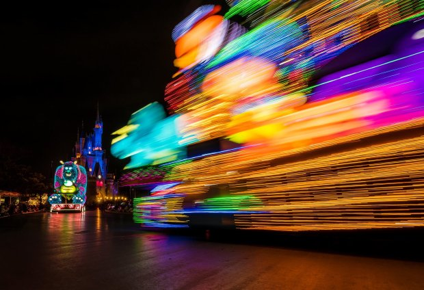 dreamlights-long-exposure-toy-story-float-tokyo-disneyland