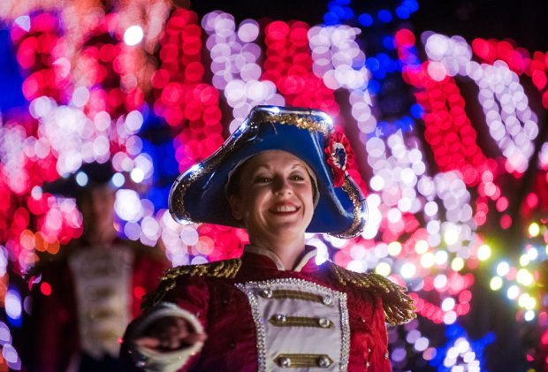 to-honor-america-cast-bokeh-july-disney-world