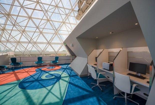 disney-vacation-club-imagination-lounge-epcot-walt-disney-world-002