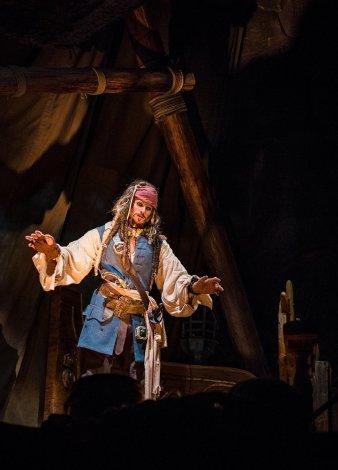 pirates-caribbean-battle-sunken-treasure-shanghai-disneyland-001