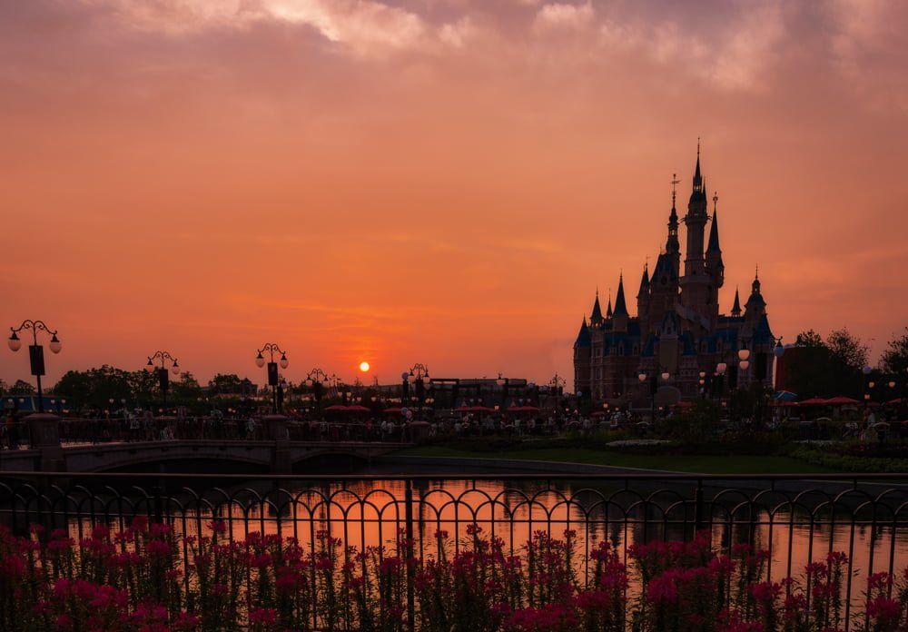 Shanghai disneyland trip planning guide disney tourist blog for Sun castle