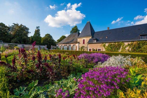 château-de-cheverny-loire-valley-france-068