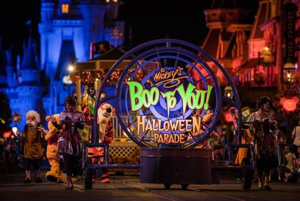 mickeys-boo-to-you-halloween-parade-009