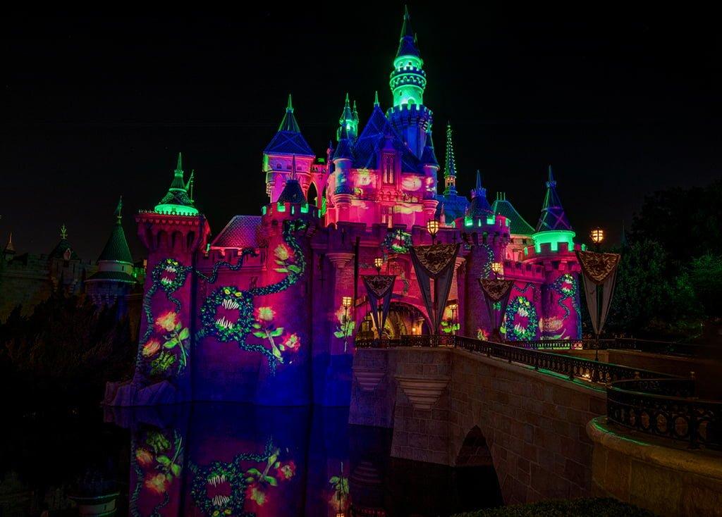 Guide To Halloween Time At Disneyland Disney Tourist Blog