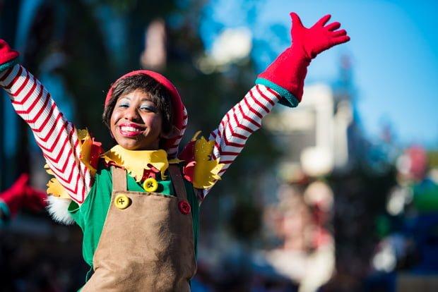 a-christmas-fantasy-parade-disneyland-christmas-022