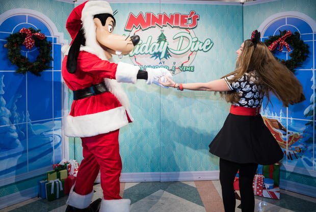 minnies-holiday-dine-hollywood-vine-character-meal-walt-disney-world-013