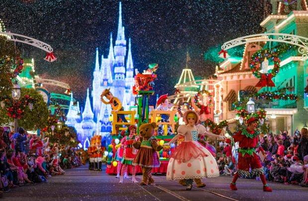 parade-mickeys-very-merry-christmas-party-walt-disney-world-018