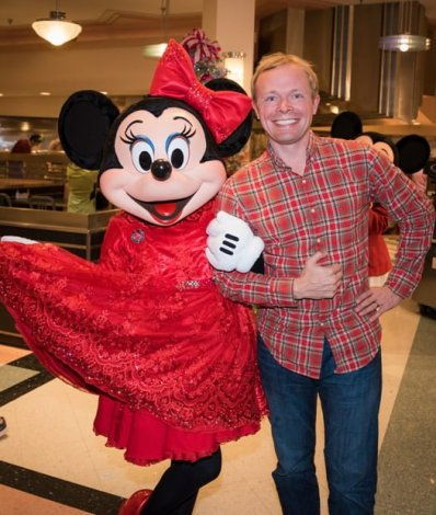 tom-bricker-minnie-mouse-holiday-dine-character-meal-disney-world