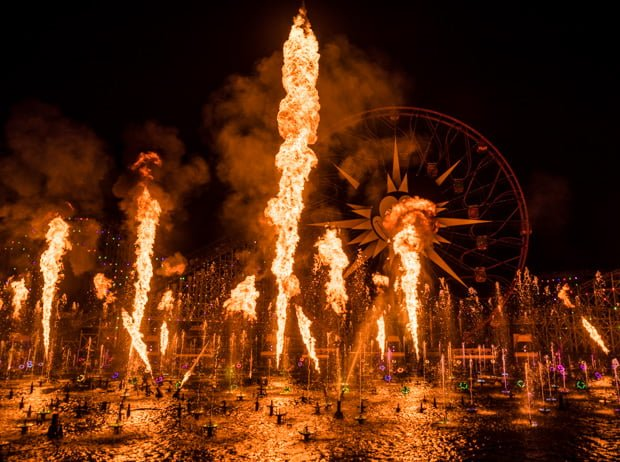 world-color-season-light-christmas-disney-california-adventure-008
