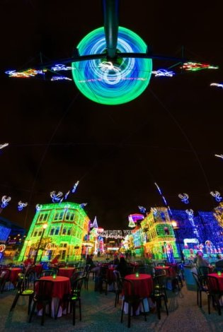 osborne-lights-under-globe-dessert-party-fisheye