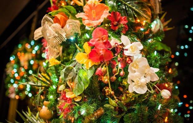 polynesian-resort-christmas-disney-world-hotel-308