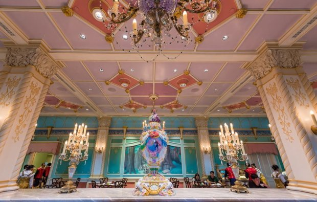 royal-banquet-hall-shanghai-disneyland-restaurant-china-049