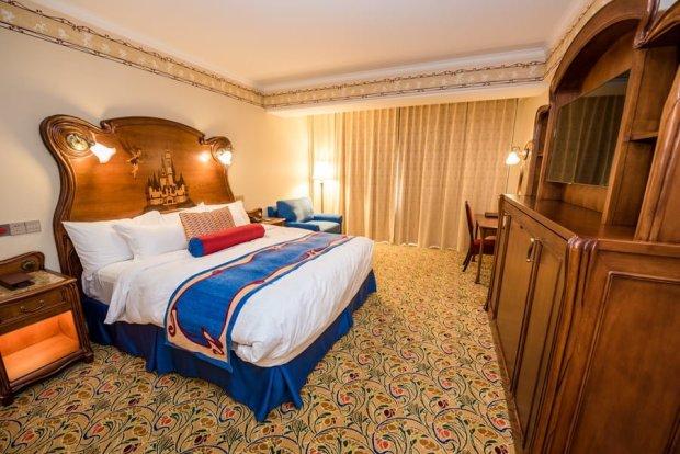 shanghai-disneyland-hotel-room-interior-017