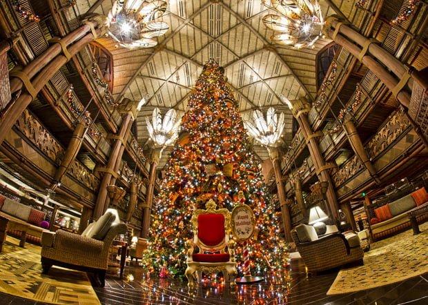animal-kingdom-lodge-christmas-lobby