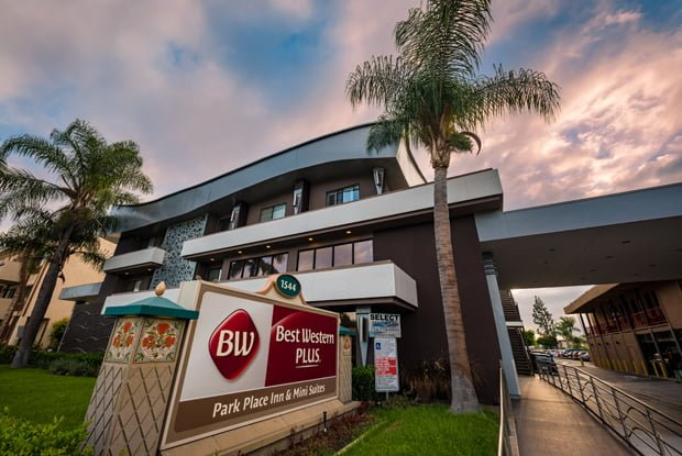 Best Western Plus Park Place Inn Review Disney Tourist Blog Fascinating 2 Bedroom Suites In Anaheim Near Disneyland Exterior Painting