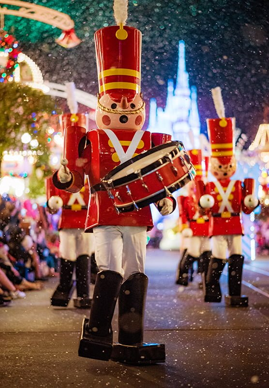 these two weeks are two of the busiest of the year walt disney world is a family holiday destination and this includes christmas day
