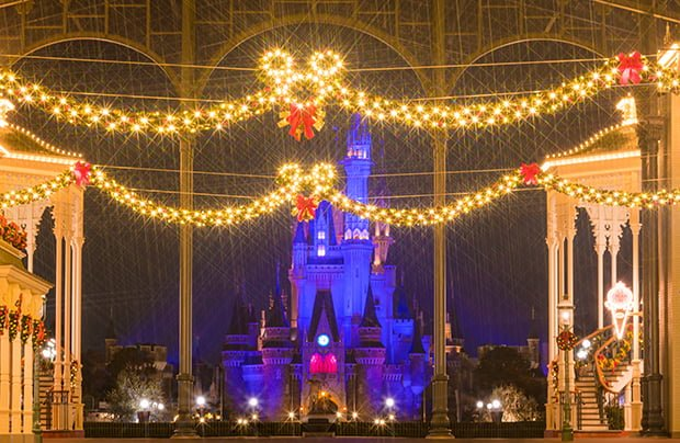 Disneyland During Christmas.Christmas At Tokyo Disneyland Disney Tourist Blog