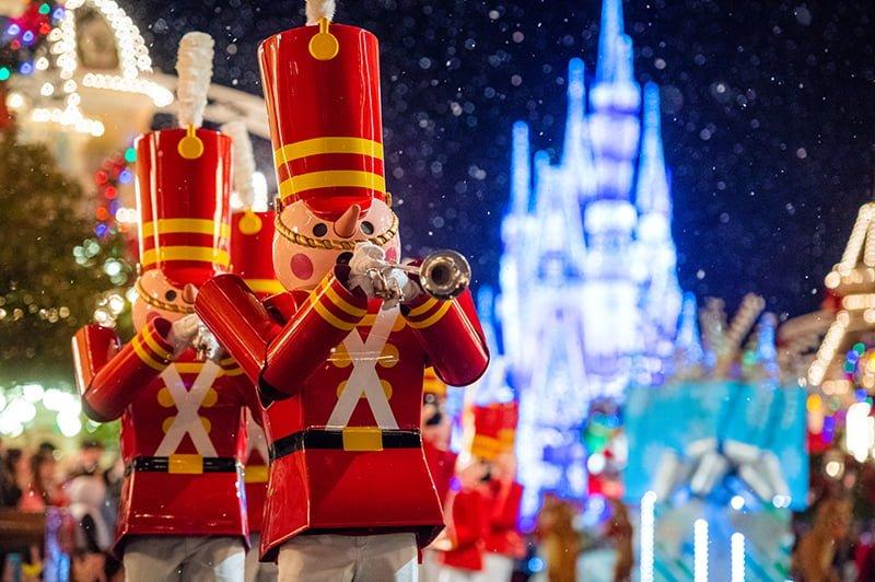 Watch Disney Christmas Parade 2021 Disney World Christmas 2021 Ultimate Guide Disney Tourist Blog