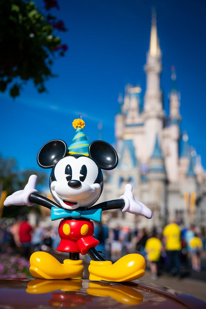 New Minnie & Mickey Mouse Surprise Celebration in Magic ...