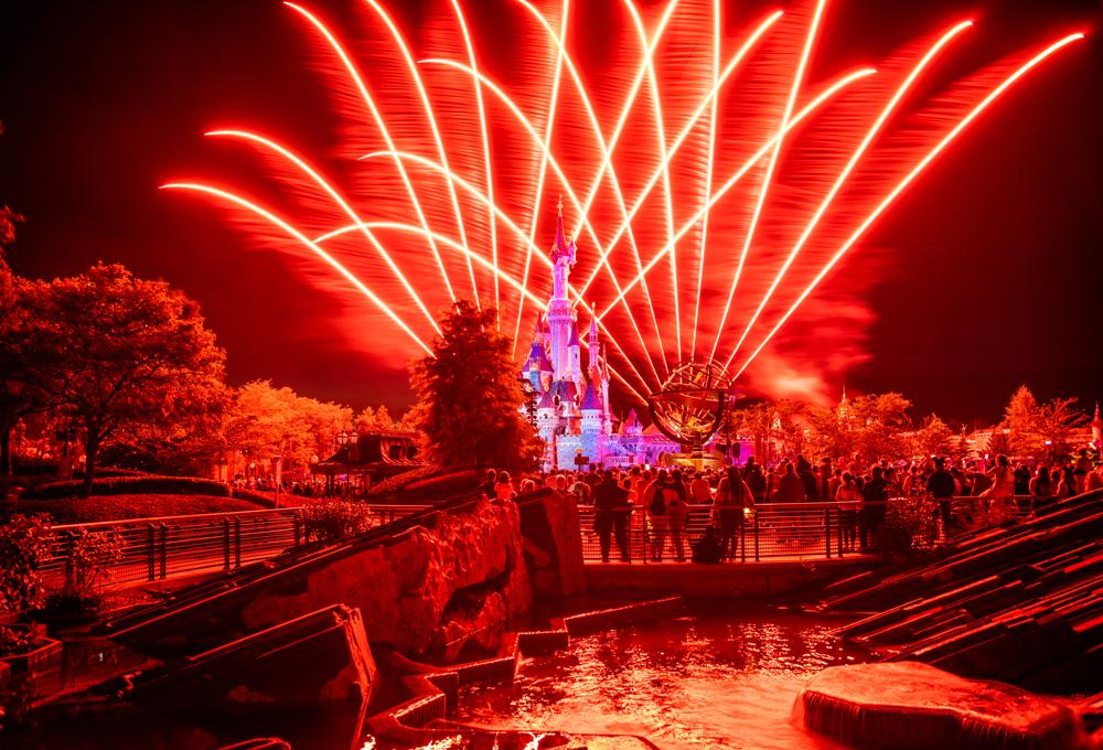 Disneyland Paris At Christmas 2019.2019 2020 Disneyland Paris Planning Guide Disney Tourist Blog