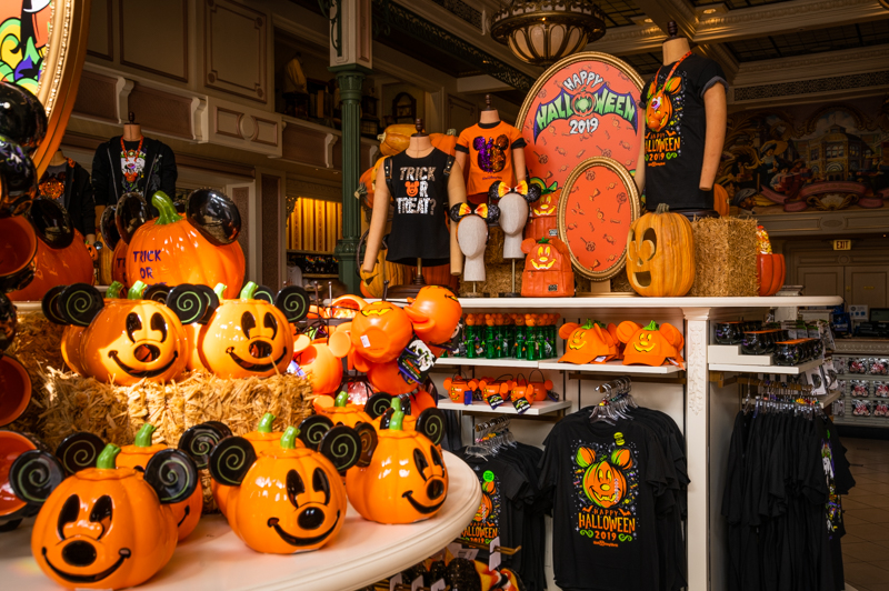 Disney Halloween Items 2020 When Will Halloween Decorations Go Up at Disney World?   Disney